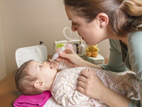 mouche-bébé manuel par aspiration